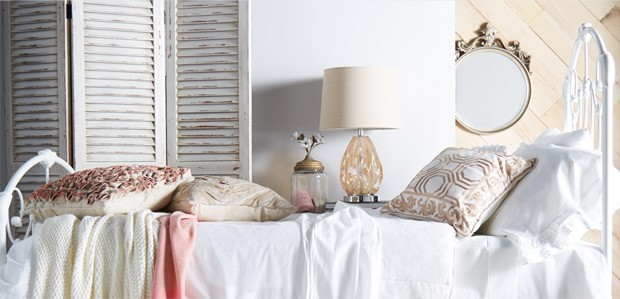 Shabby Chic: Artfully Distressed Decor