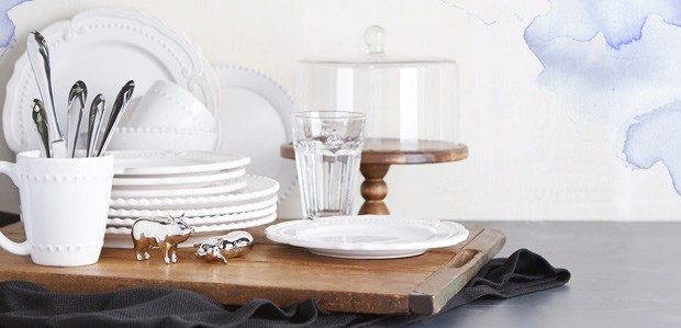 Set the Everyday Table: Casual Dinnerware & Linens