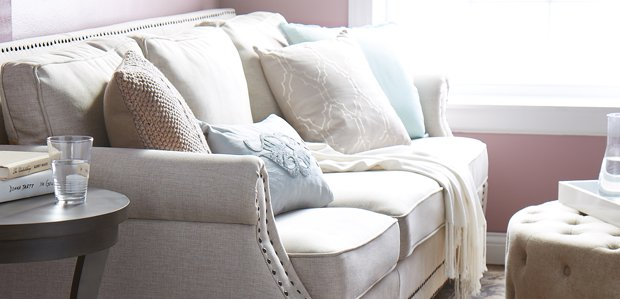 The Neutral Living Room: Furniture & Decor