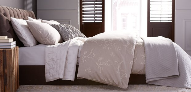 Serene Sanctuary: Soft-Hued Bed & Bath