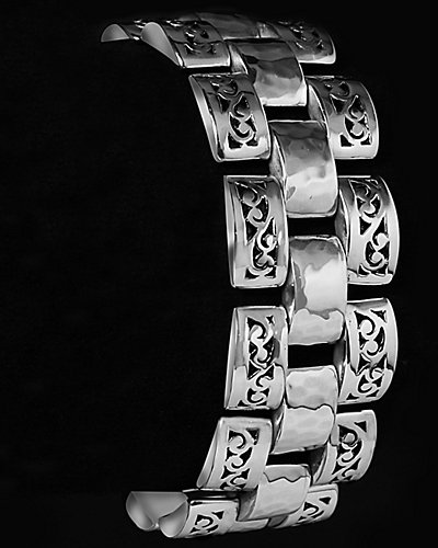 Lois Hill Classic Silver Cut-Out Link Toggle Bracelet